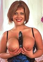 Big Juggs chikie savannah get her crotch streched by hard penis.