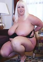Daphne Stone shows off sexy black bra